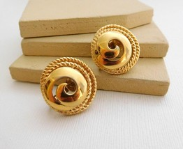 Vintage Trifari Modernist Yellow Gold Tone Swirled Dome Clip On Earrings... - $9.99