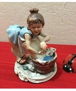 """Capodimonte La Medea Washing Lady Figurine by Rori Made In Italy 6"""" x 5""""... - $150.00"""
