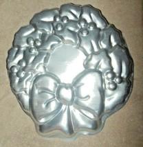 VINTAGE 1980 WILTON ALUMINUM CHRISTMAS WREATH CAKE PAN OR MOLD  - $15.99