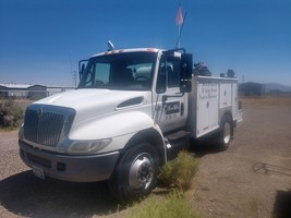 2003 International 4300 and Additional Items  For Sale in Battle Mount, NV 89820 image 2