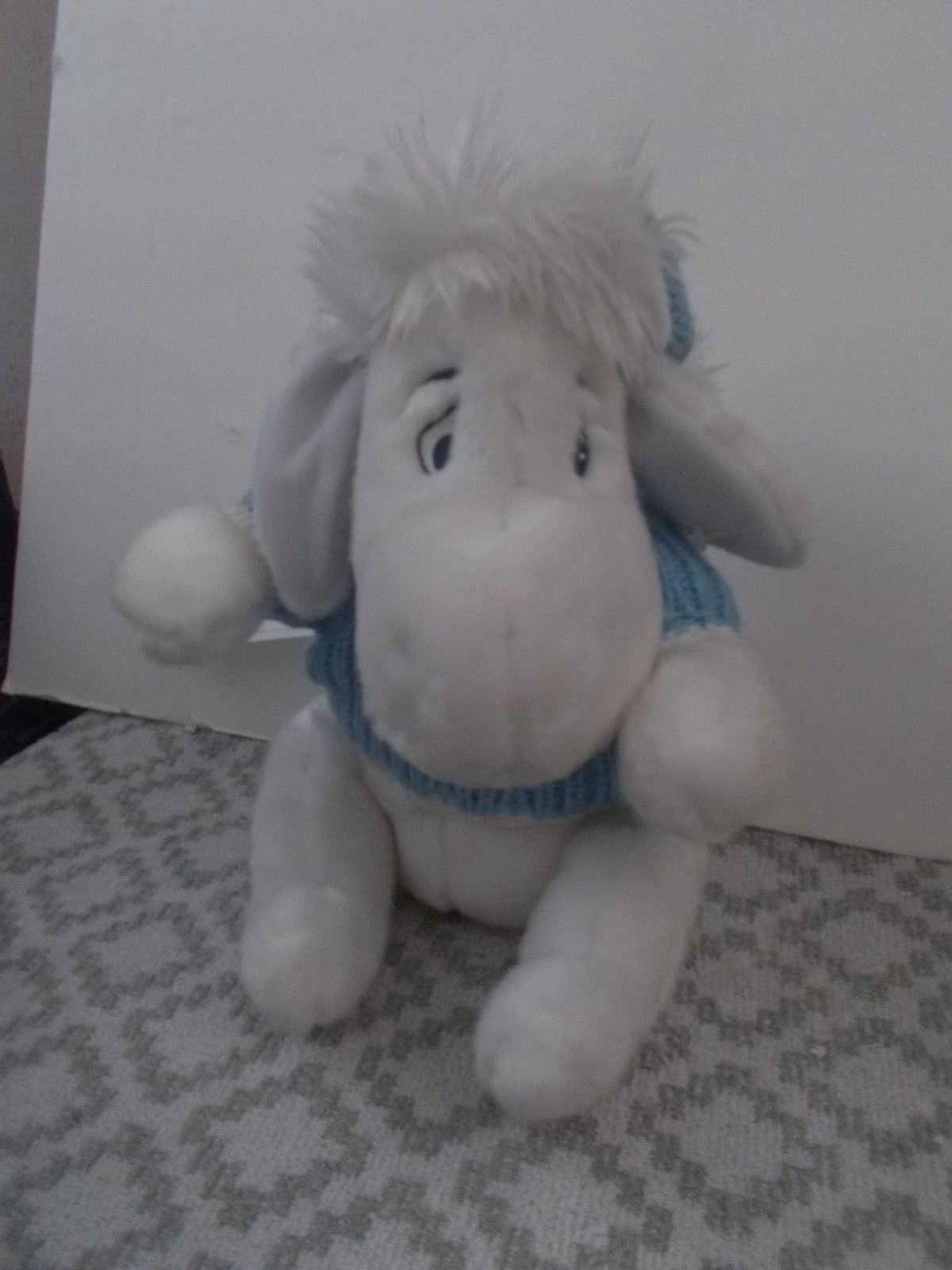 DISNEY STORE SNOWBALL EEYORE Pooh Ice Blue & White Christmas
