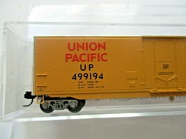 Micro-Trains # 18100142 Union Pacific 50' Standard Boxcar Plug Doors N-Scale image 2