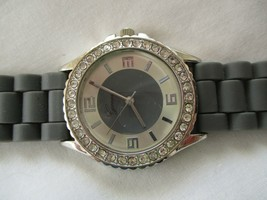 Geneva Wristwatch Gray Buckle Band Silver Toned Case Round Face - $29.00
