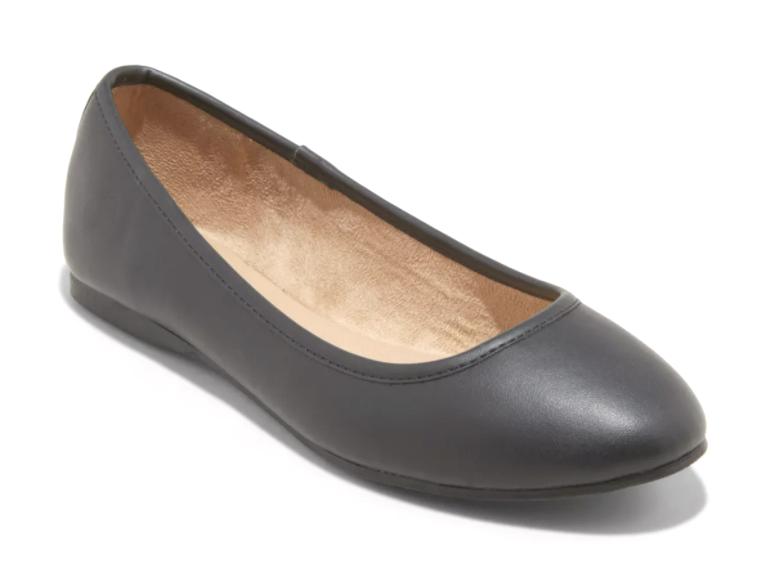 Universal Thread Women's Black Everly Round Toe Slip On Ballet Flats NWT