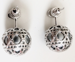 AUTH NEW DIOR MISE EN TRIBAL CANNAGE CD LOGO SILVER GRAY PEARL EARRINGS image 5