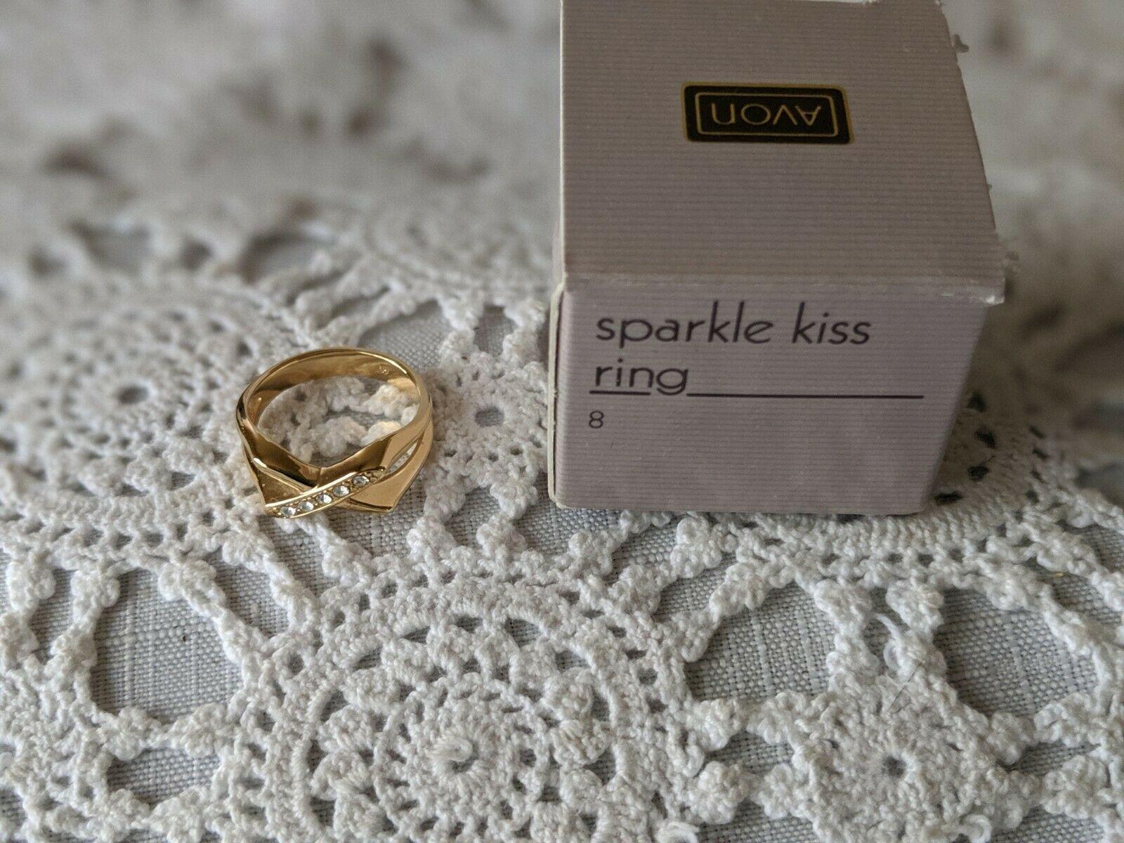 Avon Designer Signed Sparkle Kiss Rhinestone Ring Size 8