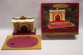 "Hallmark Keepsake The Bearingers Light Up Fireplace 6"" Christmas Ornament 1993 - $14.85"