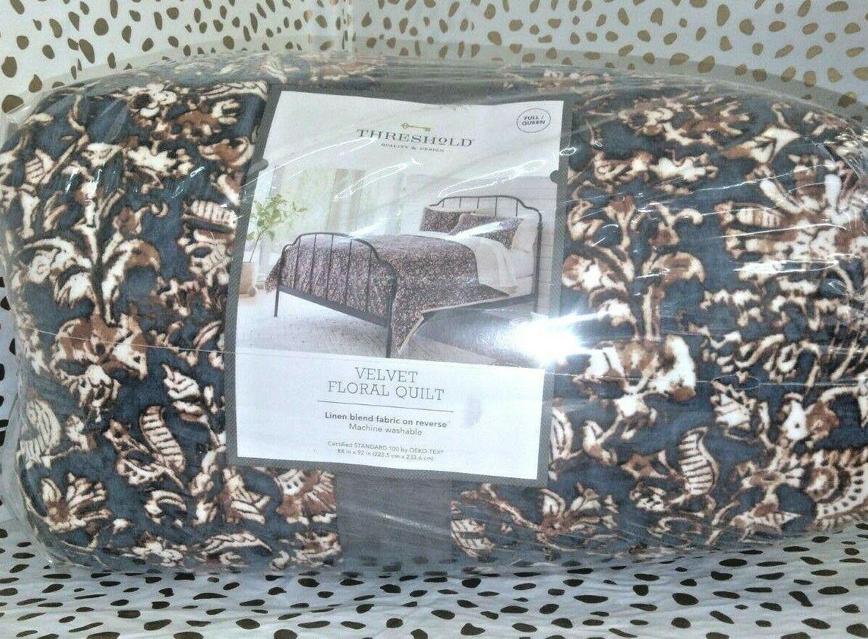 "Floral Print Velvet Tufted Quilt Threshold  92"" x 88"" Full / Queen Size  Store"