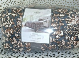 "Floral Print Velvet Tufted Quilt Threshold  92"" x 88"" Full / Queen Size  Store image 1"