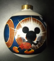 Disney Store Christmas Ornament 2000 Mickey Peering into 2000 Glass Original Box - $8.99
