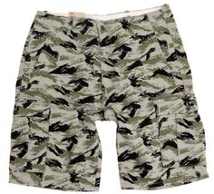 BRAND NEW LEVI'S MEN'S PREMIUM COTTON RELAXED FIT CARGO SHORTS CAMO 124630299