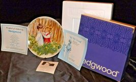 """1981 """"Be My Friend""""   Wedgewood by Mary Vickers AA20-2301 Vintage Commemorative  image 3"""