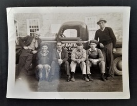1940s antique AVONDALE PA S W BATTAN TRUCK and PEOPLE orig PHOTO coatesv... - $68.95
