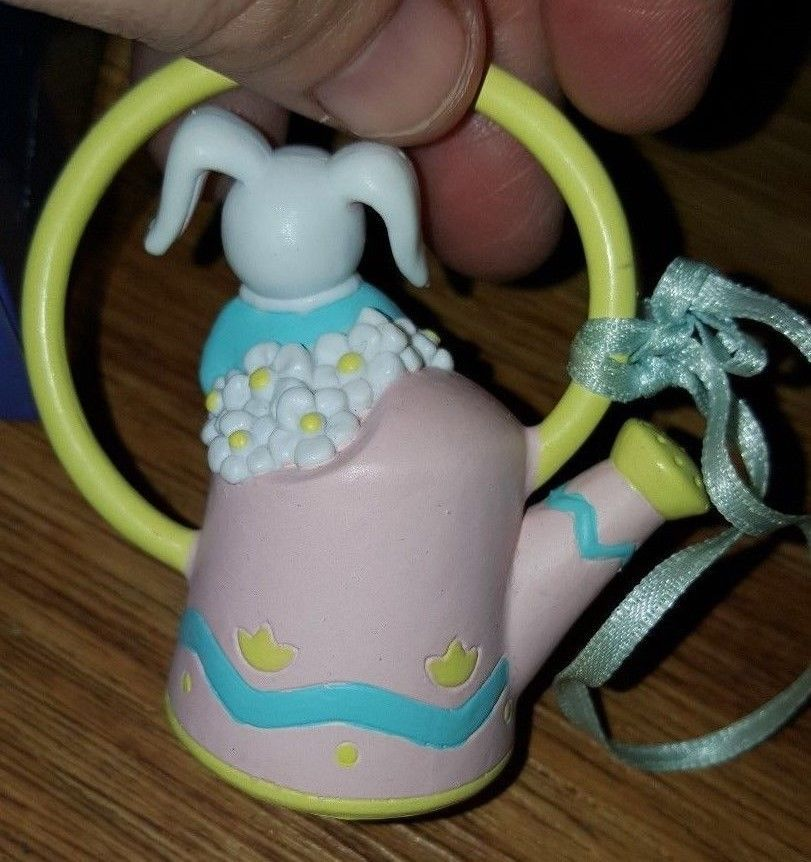 "VANTAGE AVON EASTER ORNAMENT BUSY BUNNY RABBIT "" WATERING  CAN '"