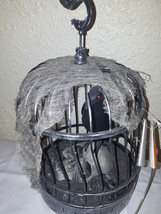 Halloween Animated Talking Lighted Raven On Skull In Cage - €26,50 EUR