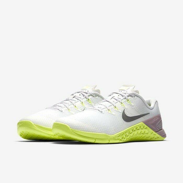 cheaper 381b4 ba32d MUJER Nike Metcon 4 Zapatos Blanco Plata 924593 102 Msrp