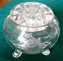 Vintage Viking Clear Glass 3 Footed Bowl w/11 Hole Frog ETCHED FLOWER DE... - $22.50