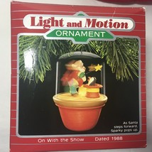 Hallmark 1988 On With The Show Santa Claus Christmas Ornament Motion See Video - $17.53