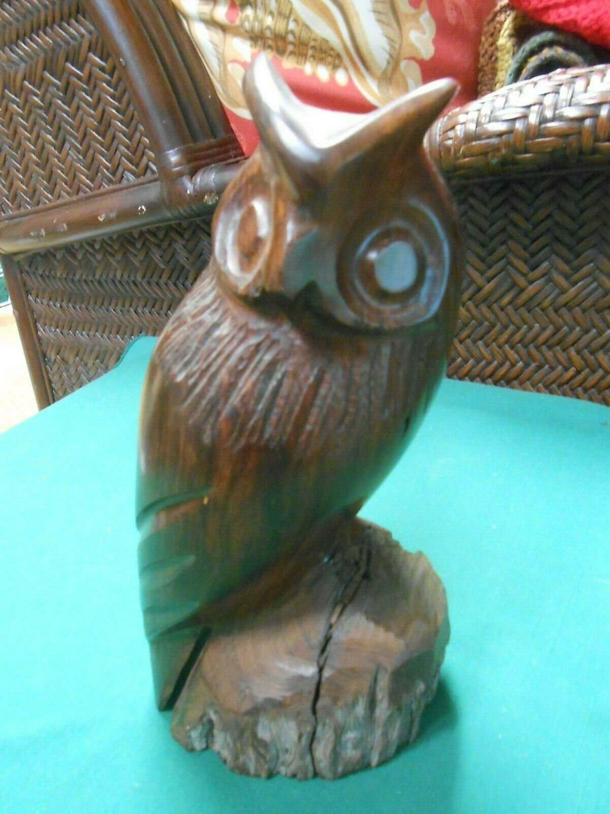 Outstanding Wood Handcarved OWL Statue..8""