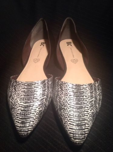 BC BORN IN CALIFORNIA VEGAN BLACK & WHITE TWO PIECE POINTY TOE FLATS SIZE 10M
