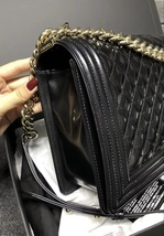 AUTHENTIC CHANEL BLACK PEARLESCENT PATENT LEATHER NEW MEDIUM BOY FLAP BAG SHW image 3