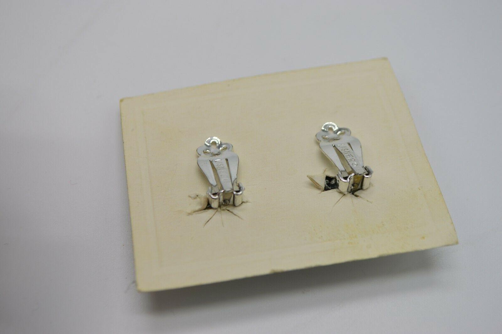 LISNER Blue Aurora Borealis Rhinestone Flower Silver Tone Clip Earrings Vintage