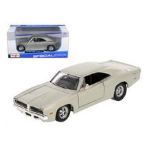 1969 Dodge Charger R/T Hemi Silver 1/25 Diecast Car Model by Maisto 31256s - $28.65
