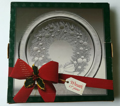 "Vintage Round Clear Glass Christmas Wreath Serving Tray 13"" Indiana Glas... - $14.53"
