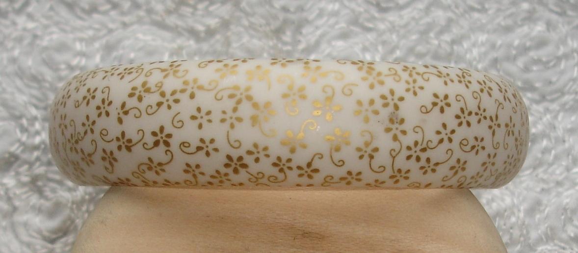 Vintage Printed Bangle w Gold Flower Floral Pattern