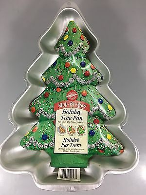 Primary image for Wilton Holiday Christmas Tree Aluminum Cake Pan 2105-2058 Instructions 2001