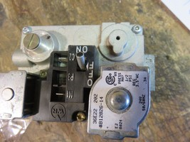 GOODMAN FURNACE GAS VALVE  MODEL # 36E22-202  PART# B12826-14 - $32.50