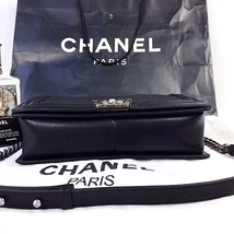 100% AUTHENTIC CHANEL BLACK QUILTED LAMBSKIN NEW MEDIUM BOY FLAP BAG RHW image 9