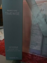 Mary Kay TimeWise Age Minimize 3D 4 in 1 Cleanser Combination to Oily Skin - $32.00