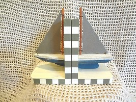 WOOD NAUTICAL STYLE BOOKENDS BOOK HOLDER SAILBOAT TABLE HOME BEACH DECOR - $13.98