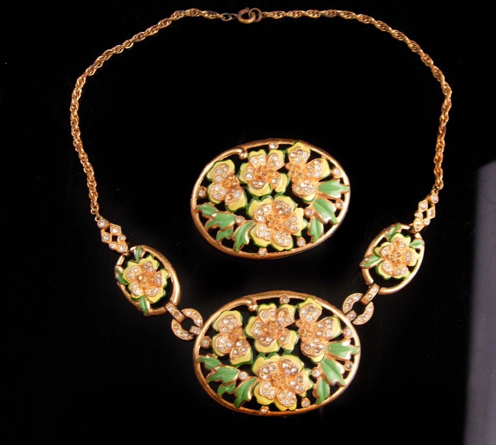 Vintage enamel necklace set - flower brooch - demi Parure - hand painted - rhine