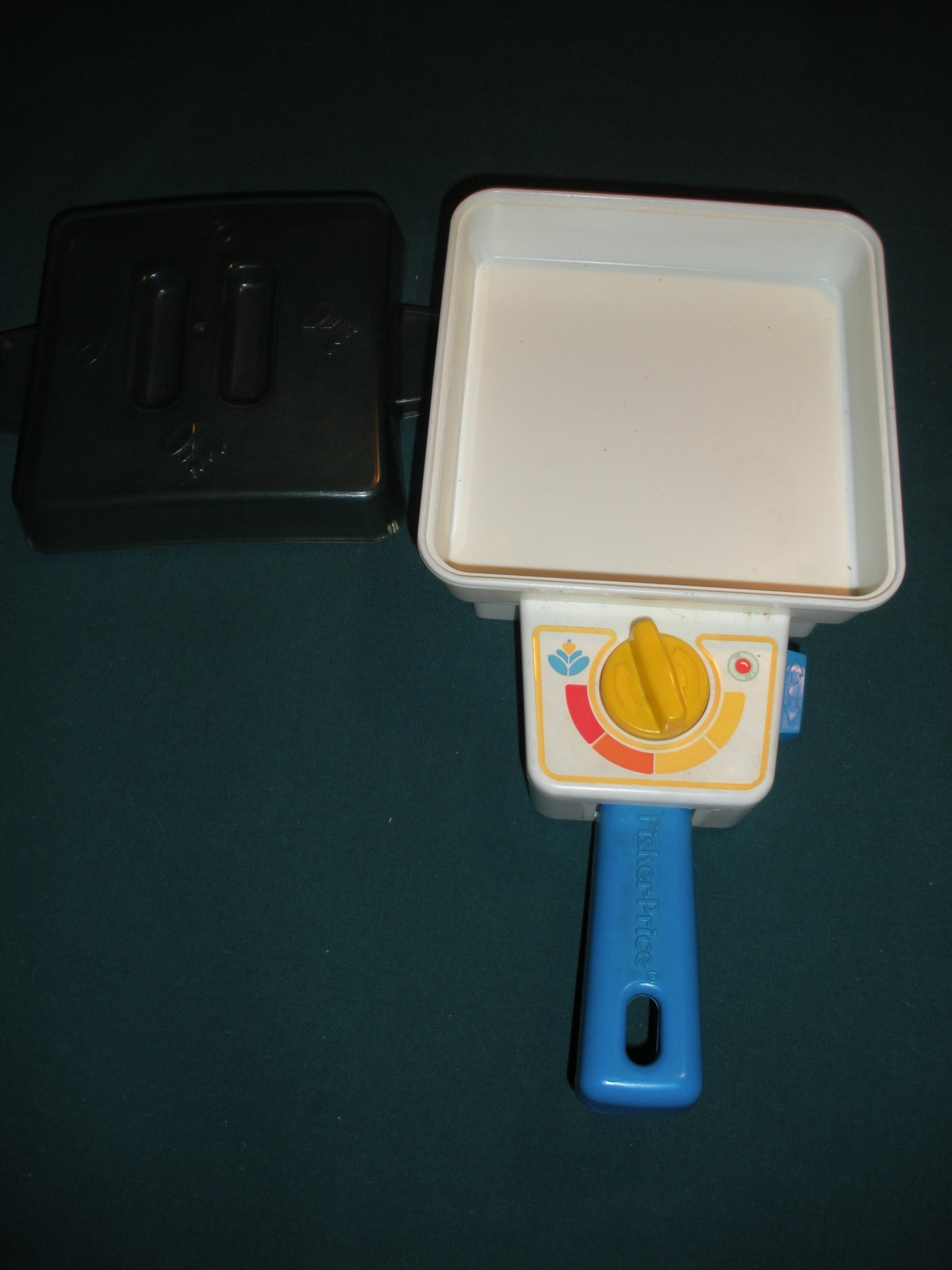 Vtg. Fisher Price Fun with Food #2115 Super Skillet Breakfast Comp./EXC++-NR MT