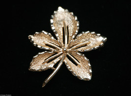 Classic Sarah Coventry Brooch Leaf Pin w Shimmering Gold Tone Designer S... - $9.89