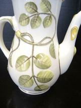 Royal Worcester 4 Cup Tea Pot - The Blind Earl Pattern image 5