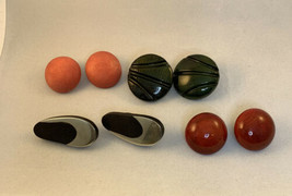 Lot Of Vintage Chunky Wooden Clip On Earrings (1797) - $20.00