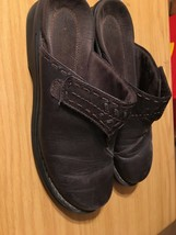 Clarks Women's Mules Clogs Shoe Leather Comfort Casual Brown Size 7 - $8.80