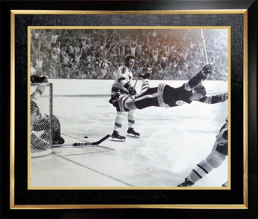 """Bobby Orr """"The Goal"""" 11x14 Framed Photo - Boston Bruins"""