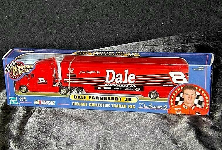 Red Dale Earnhardt Jr. Die-Cast Collector Trailer Rig  Hasbro AA19-NC8001