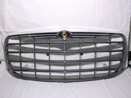 04-05-06 Chrysler SEBRING/ Radiator Grill Assembly And Emblem - $252.45