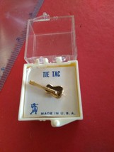 VINTAGE Guitar-Shaped  MENS TIE TACK  GOLDTONE IN BOX NICE Made in USA - $7.91