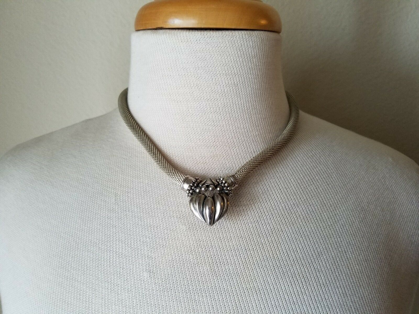 Vintage Fashion Jewelry Set Silver Tone Necklace Pendant & Matching Earrings