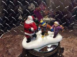 Rare Dept 56 Callahan's Of Calabash North Carolina Santa Figurine With Children - $15.00