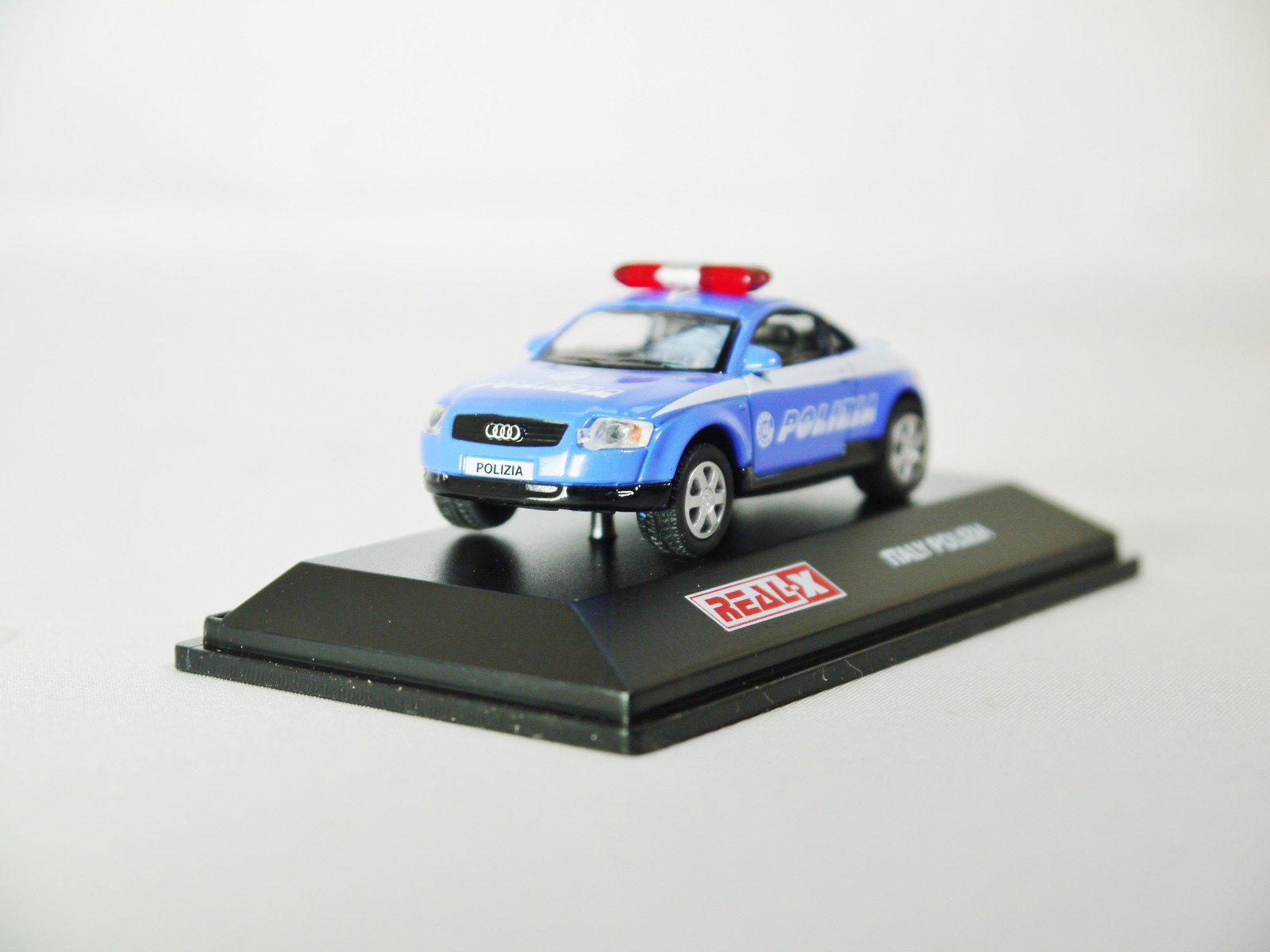 Real x collection 1 72 italy polizia car 517   audi tt patrol car   02