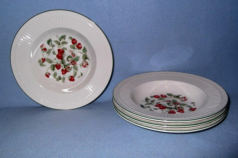 Primary image for Mikasa Summer Trellis DD908 4 Large Rimmed Soup Bowls Strawberries Perfect
