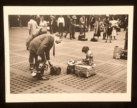 RUTH ORKIN Photograph Little Girl NYC 1947 9x12 Lithograph Portfolio Print - $23.19