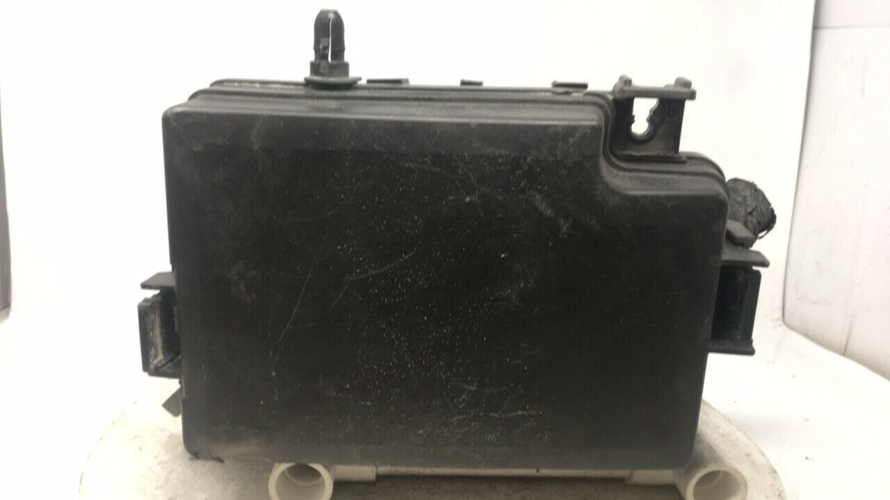 2017 Hyundai Elantra Fusebox Fuse Box Relay Module 24245   Controls